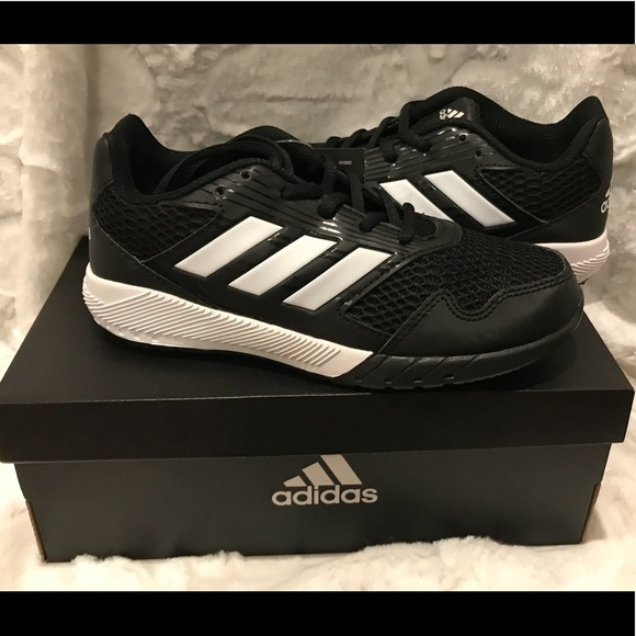 d3a83f28f BNWT ADIDAS SHOES SIZE 2 1 2